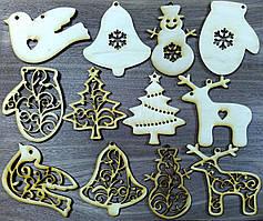 Дерев'яні новорічні підвіски