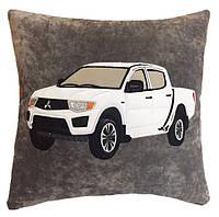 Подушка с логотипом и Вашим авто в машину, подарок мужчине
