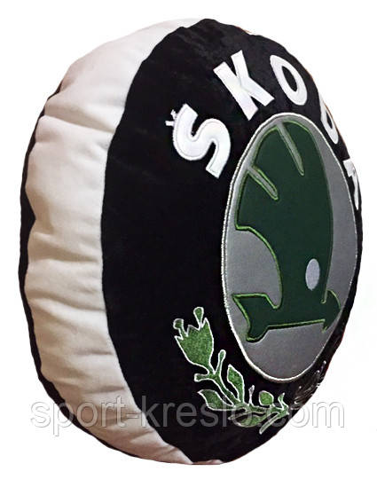 Подушка декоративная круглая в авто в виде знака с логотипа Skoda шкода