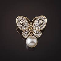 Брошь золотистая Бабочка с подвеской жемчуг (акрил) 2,8см