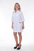 Женский полу приталенный медицинский халат с вышивкой