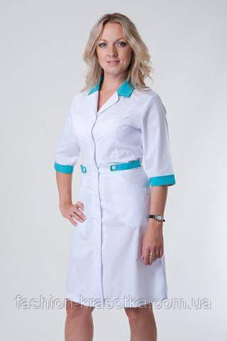 Стильный медицинский халат до колен с синими вставками