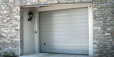 Механические секционные гаражные ворота