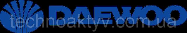 Daewoo Heavy Industries (DHI) — тяжёлая промышленность. Компания Doosan в 2005 году выкупила Daewoo Heavy Industries, что позволило ей упрочить свои позиции на рынке строительной техники. С этого времени вся техника стала поступать под брендом Doosan-Daewoo. Но в 2007 году было принято решение продвигать технику только под брендом Doosan.