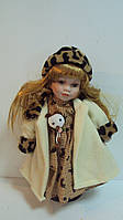 Кукла фарфоровая музыкальная Маша высота 33 см