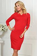 Платье красное прилегающего силуэта