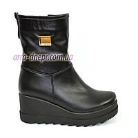 Женские зимние кожаные ботинки на платформе