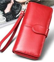 Стильный женский кошелек красного цвета с ремешком