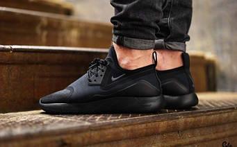 Nike lunar Charge Triple Black