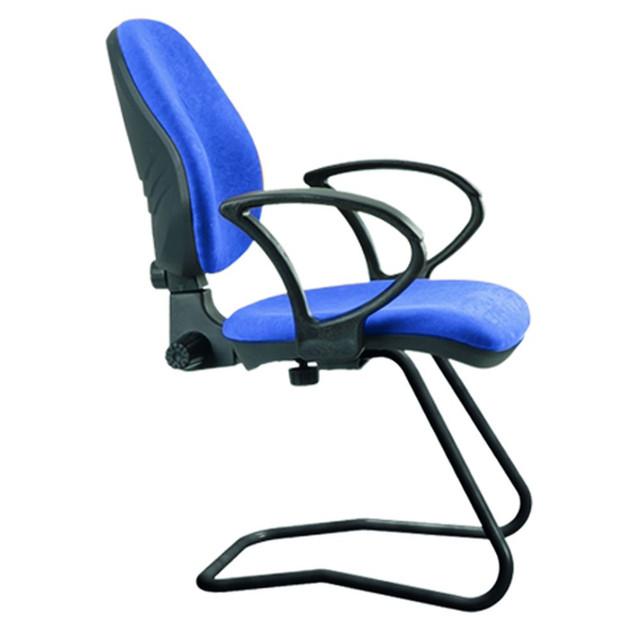 Кресло Поло CF/АМФ-4 Ткань А-20 синий. Каркас на прочных металлических полозьях. Каркас покрыт порошковой краской черного цвета.