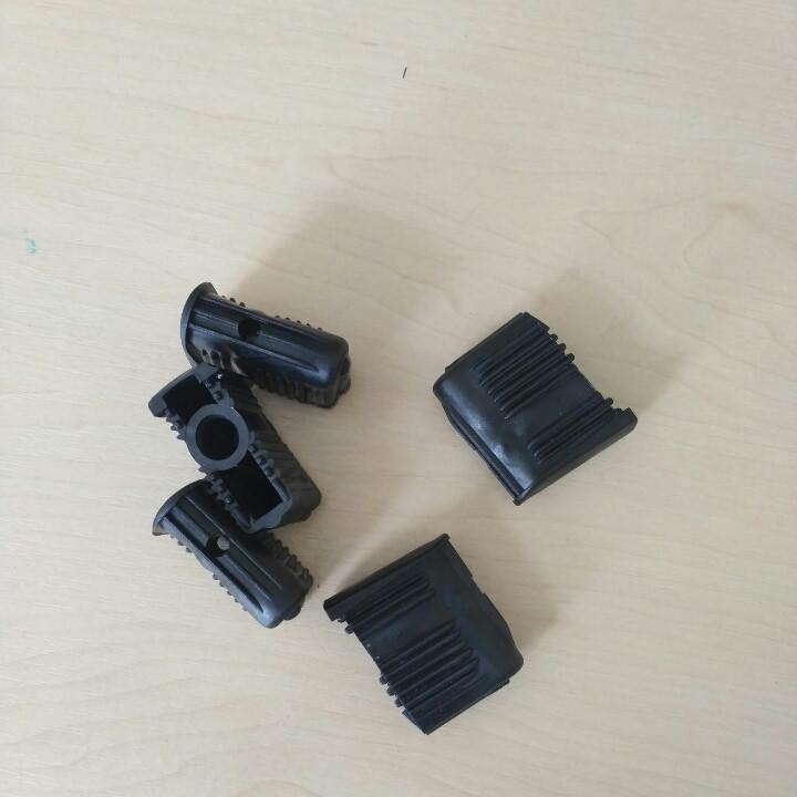 Заглушки для офисных кресел под ролики 10мм. (комплект 5 шт.)