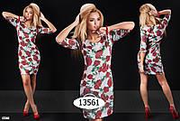 Теплое платья с узором розы