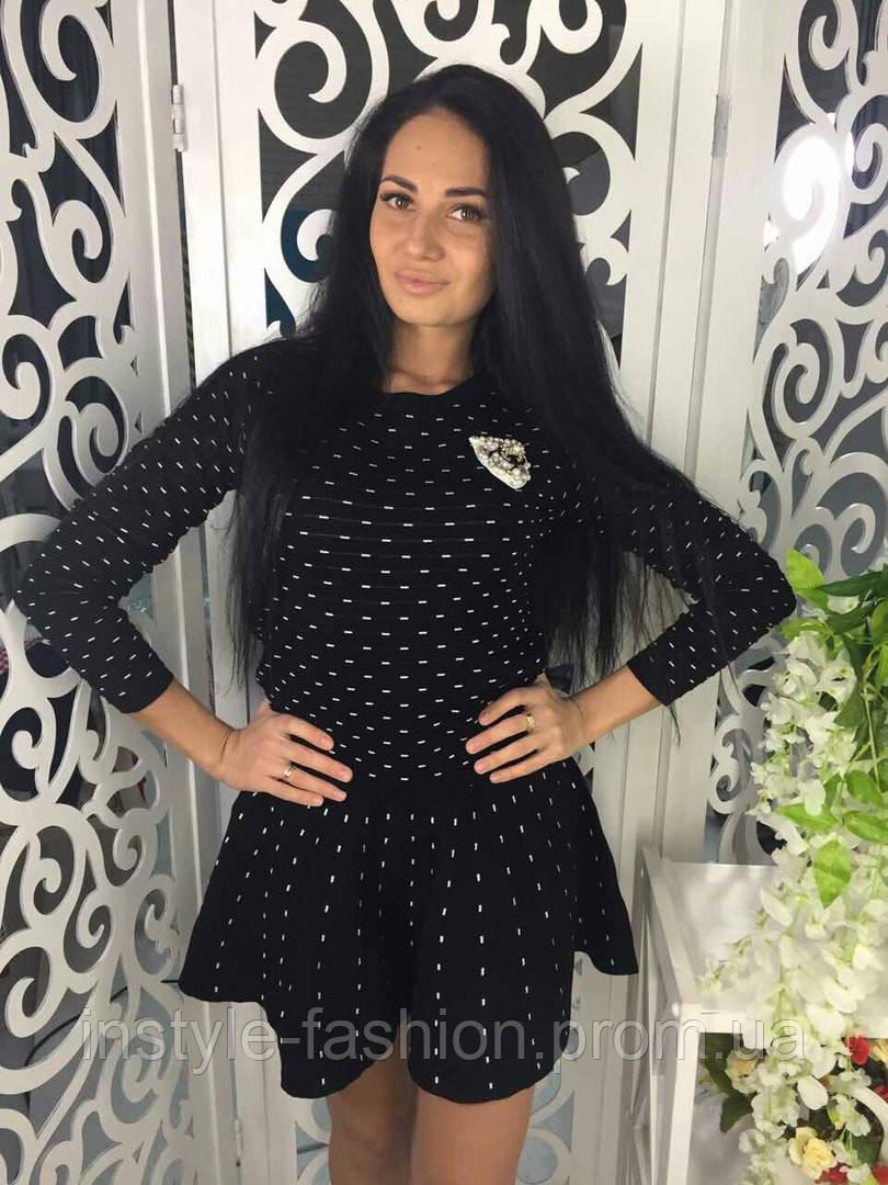 Очень модный и стильный костюм ткань мелкая машинная вязка черный