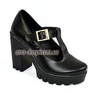 Женские кожаные туфли на высоком устойчивом каблуке