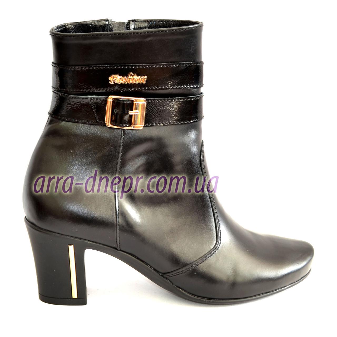 Кожаные женские ботинки зимние на устойчивом каблуке.