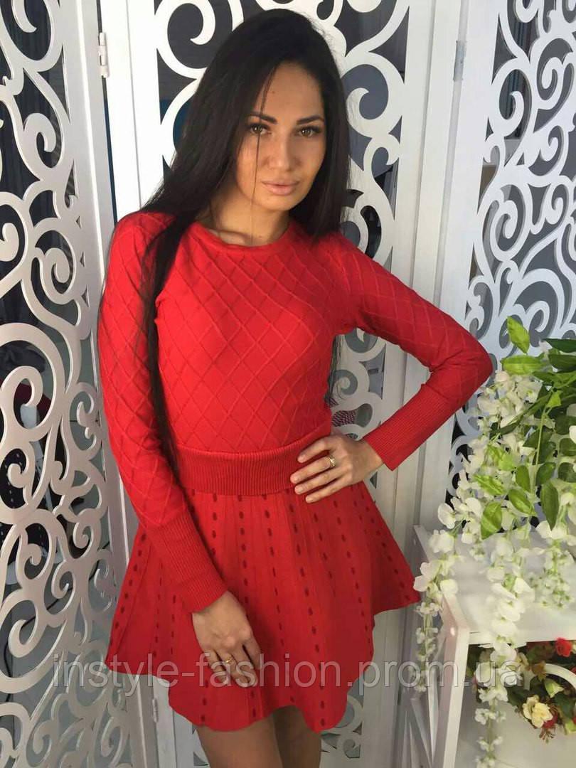 Модное платье клеш ткань трикотаж машинная вязка красное