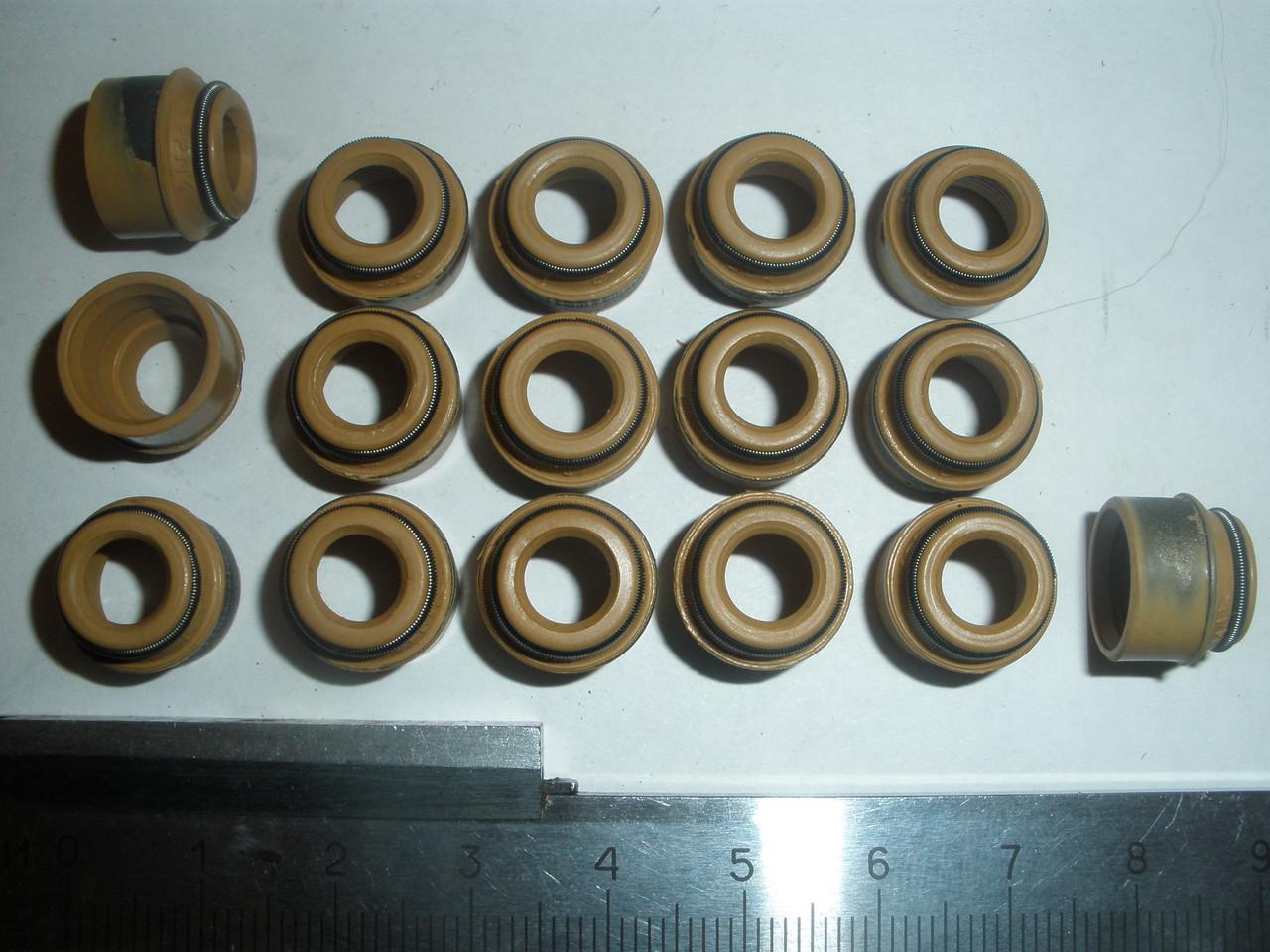 Сальники клапанів ВАЗ 2110-2112 - ВЭЛКОНТ