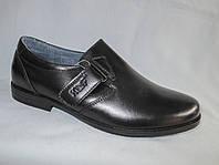Подростковые туфли на мальчика оптом 36-41 р.,гладкие на низком каблуке, липучка с тиснением сбоку