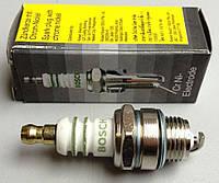 Свеча зажигания к двухтактным бензиновым двигателям бензокос и бензопил Bosch L53 D14 K19 Z0,5 аналог