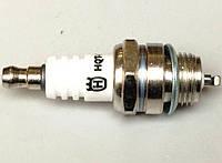 Свеча зажигания к двухтактным бензиновым двигателям бензокос и бензопил Husqvarna