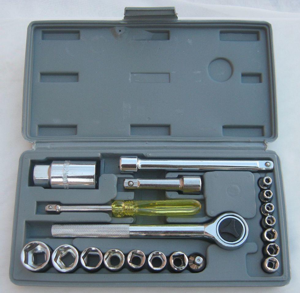 Набор инструмента Intertool (Домашний мастер) HT-2222