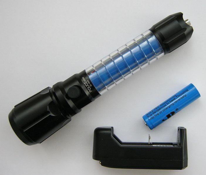 Ручной фонарь Police BL-9880 3000W