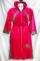 Халат женский велюровый  с капюшоном однотонный с леопардовой отделкой