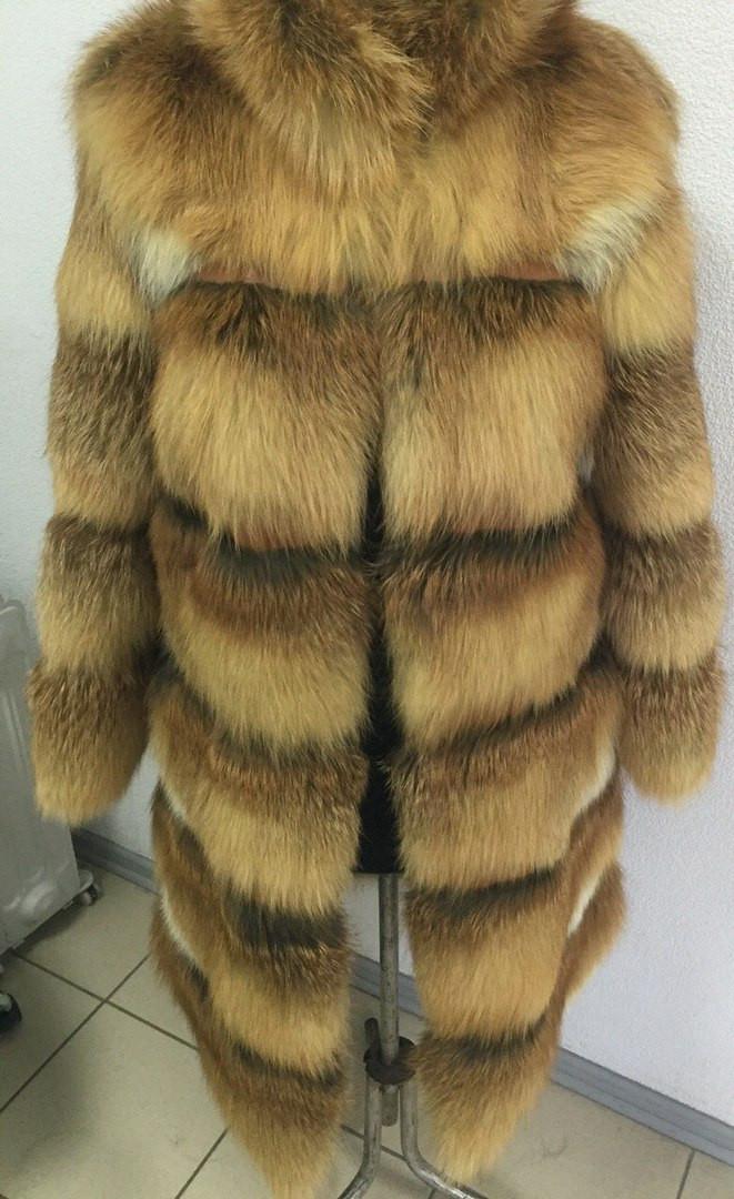 Шуба из натурального меха лисы, длинный рукав