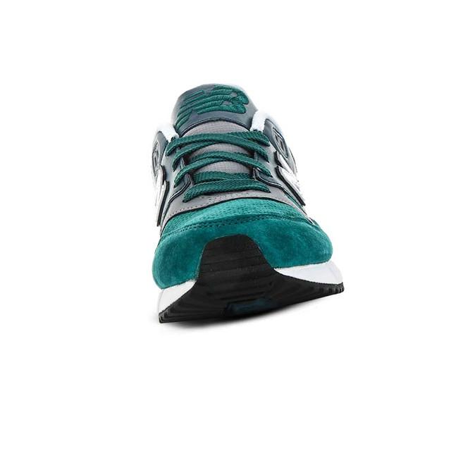 Фото мужских кроссовок New Balance 530 перед покупкой