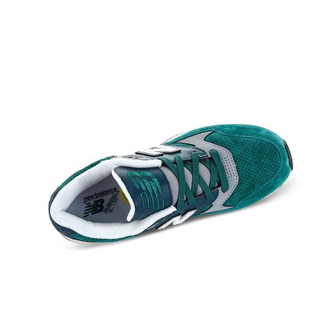 Фото мужских кроссовок New Balance 530 - 1 перед покупкой