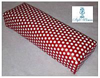 Подставка подлокотник для маникюра подушка из кожзама красная в горошек