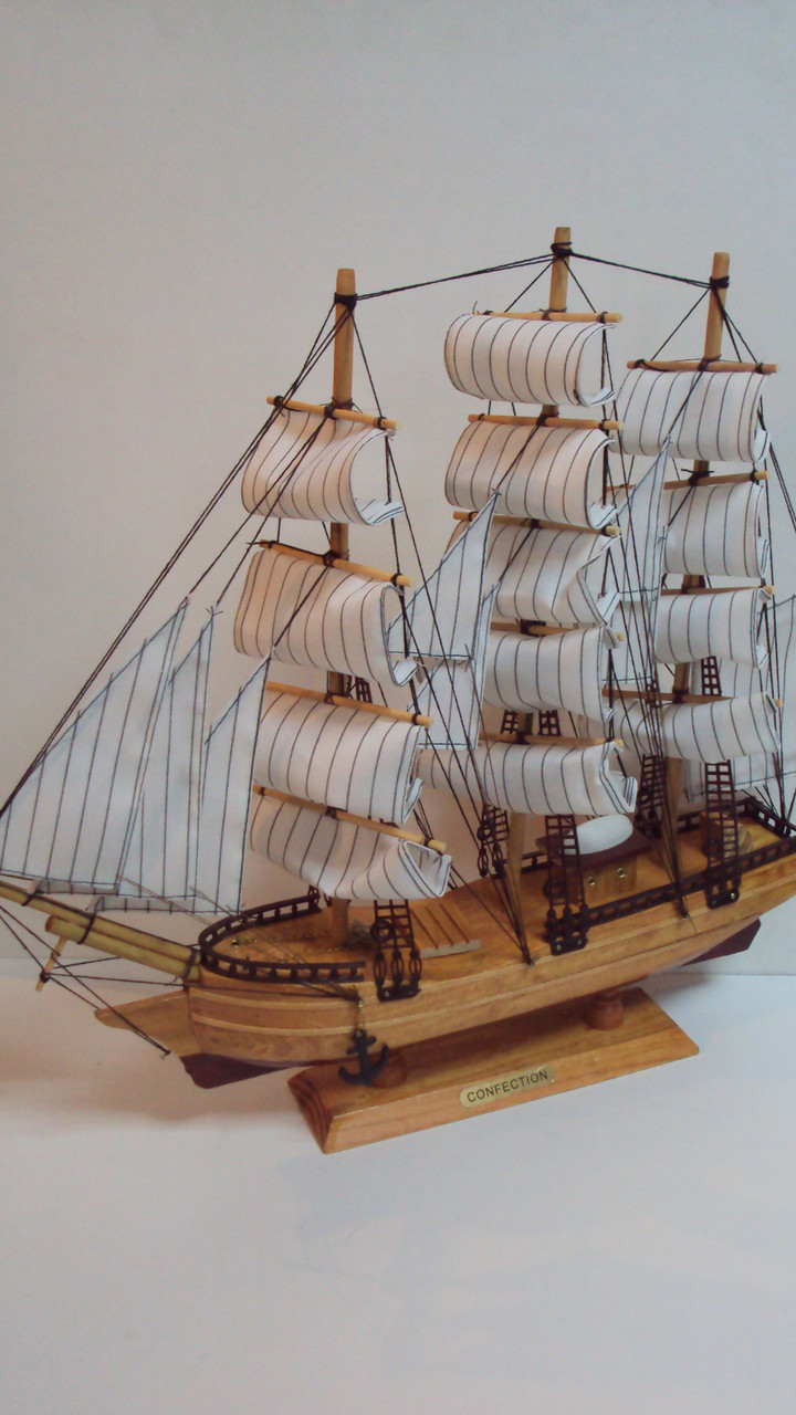Сувенирный макет парусника размер 47*44
