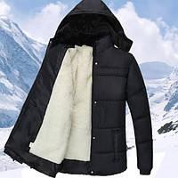 Недорогая теплая мужская зимняя куртка с мехом и капюшоном