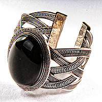 Браслет черный Агат широкий скобка  металл оправа греческий узор мелкий овальная