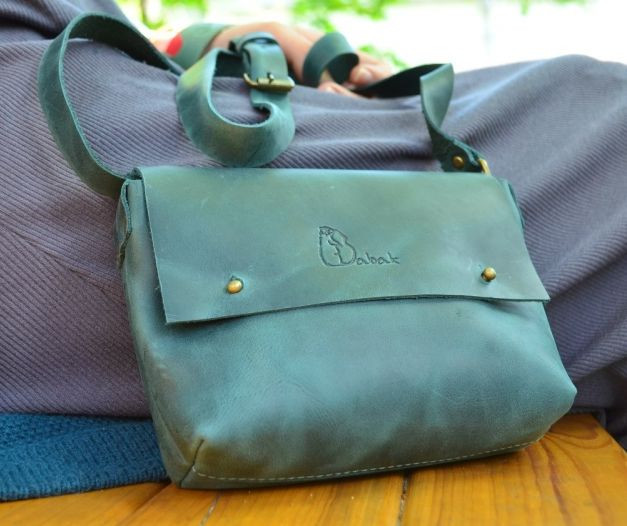 Кожаная женская темно-зеленая сумка Babak 877077