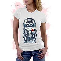 Женская белая футболка с рисунком Матрешка