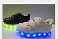 Детские белые кроссовки Led с USB зарядкой Размеры 26,27