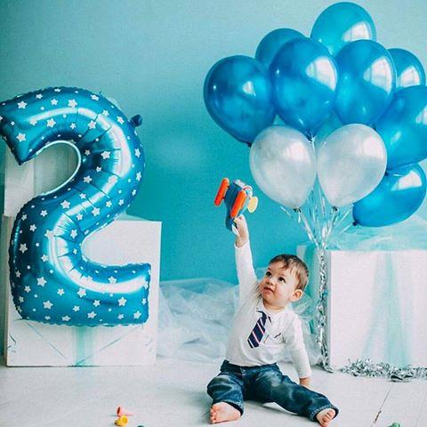 цифра фольгированная 2 голубая