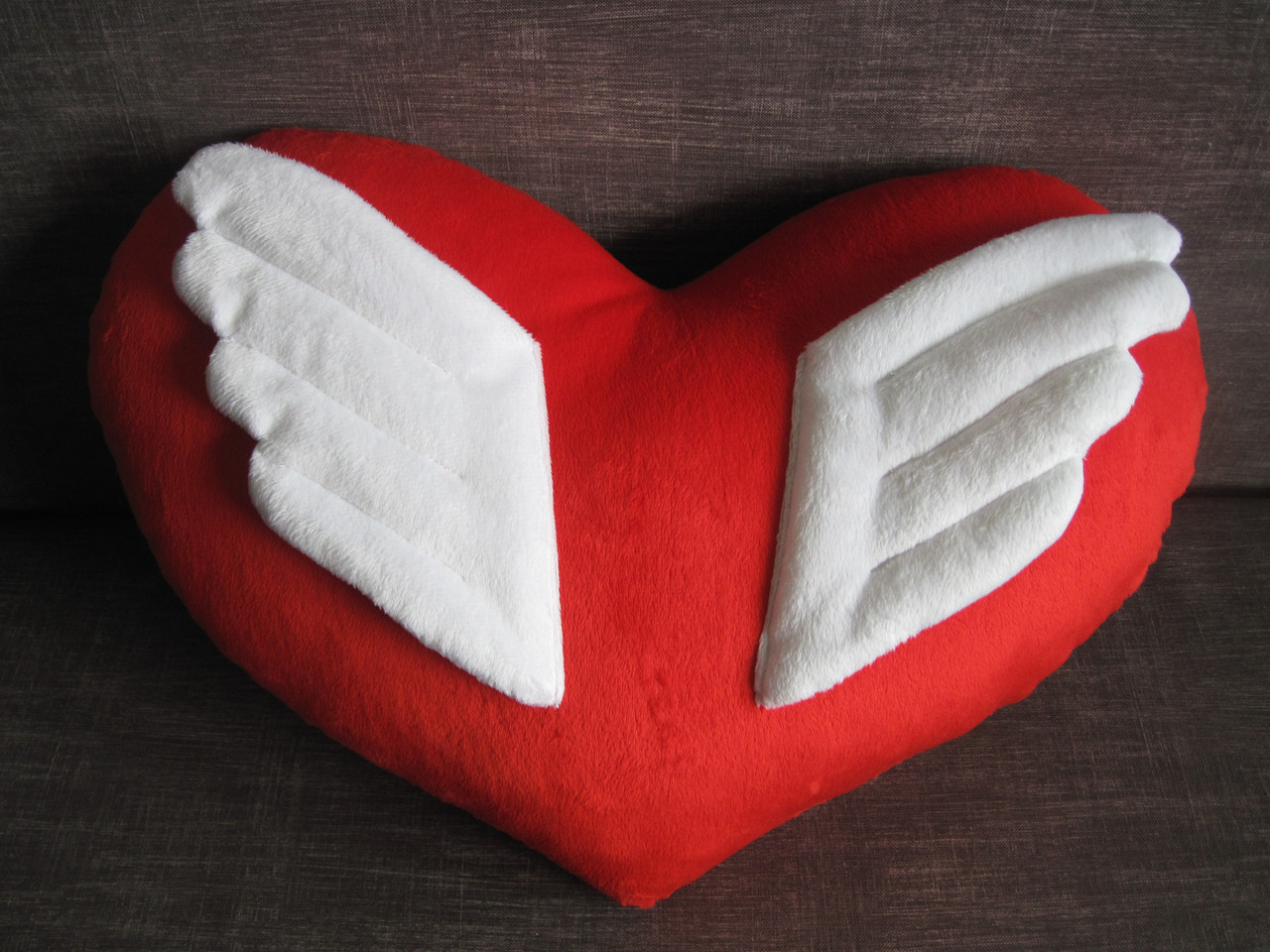 Декоративная подушка сердце ангел ручная работа