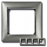 Рамка 4 поста алюминий Legrand Valena 770154