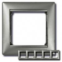 Рамка 5 постов алюминий Legrand Valena 770155