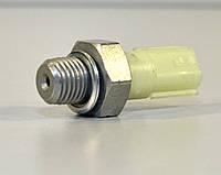 Датчик давления масла на Renault Master III 2.3dCi 2010-> — Renault (Оригинал) - 8200671272