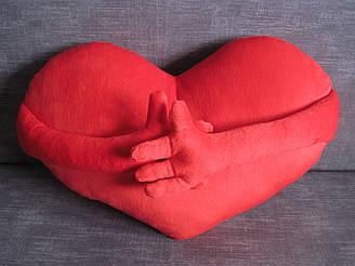 Декоративная подушка сердце с ручками ручная работа