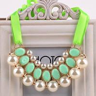 Ожерелье Привлекательность зеленое/бижутерия/цвет ленты зеленый/цвет искусственных камней белый и зеленый
