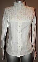 Блуза женская белая с декорированной кокеткой Р18