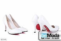 Элегантные женские лакированные туфли L&M White с острым носком на тонком каблуке и с красной подошвой белые