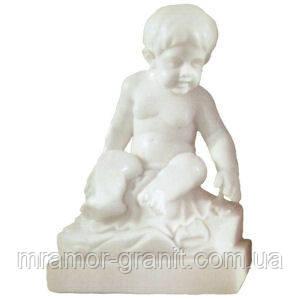 Скульптура младенца