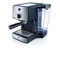 Рожковая кофеварка эспрессо Electrolux EEA 111