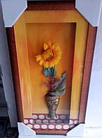 Рамка с композицией ваза с цветком.