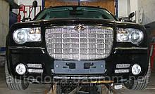 Декоративно-защитная сетка радиатора  Chrysler 300C фальшрадиаторная решетка,бампер.